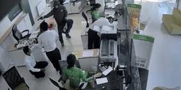 Truy bắt nam thanh niên dùng súng cướp 1 tỷ đồng ở ngân hàng rồi tẩu thoát