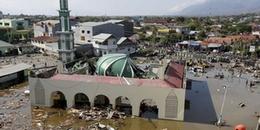 Động đất, sóng thần tại Indonesia - hàng nghìn người có thể đã chết