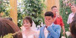 Cô dâu cười tươi thì chú rể lại khóc nức nở, quan viên hai họ 'cạn lời' với cặp đôi trong lễ cưới