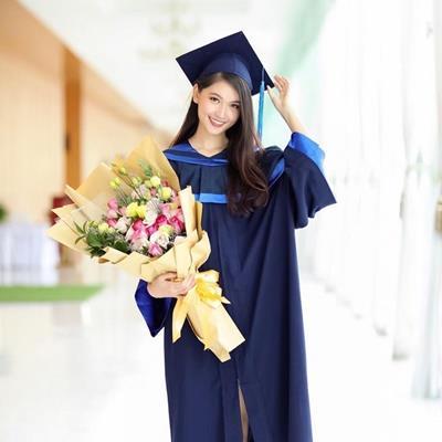 yan.vn - tin sao, ngôi sao - Vừa hết nhiệm kì, Á hậu Thùy Dung rạng rỡ trong ngày Tốt nghiệp Đại học Ngoại thương