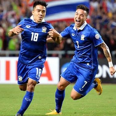 Đội tuyển Thái Lan gạch tên