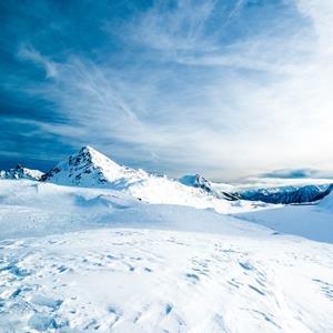Nhà vật lý Mỹ bất ngờ tìm thấy cánh cổng thời gian ở Nam Cực, có thể đưa một vật trở về quá khứ?