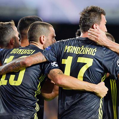 Highlights Valencia 0-2 Juventus: Mất CR7, Juventus vẫn kiên cường kéo sập pháo đài Mestalla