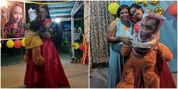 Cảm động nữ sinh khiêu vũ với gấu bông in hình người cha quá cố trong ngày sinh nhật tròn 18 tuổi