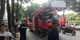 Hà Nội: Cháy tầng 31 chung cư giữa trưa, hàng trăm người dân hoảng loạn bỏ chạy