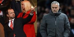 Vượt khó ngoạn mục trước Newcastle, Mourinho vẫn bị kẻ chực chờ 'đâm sau lưng'