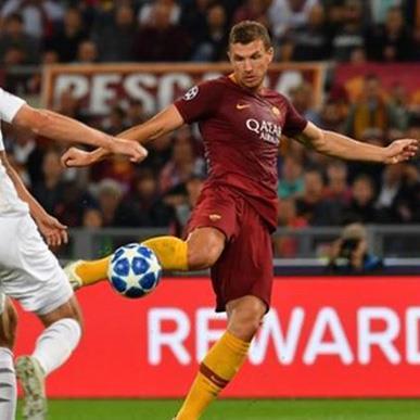 Highlights Roma 5-0 Viktoria Plzen: Song sát Edin Dzeko, Justin Kluivert lên tiếng