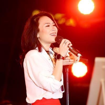 Hết tiếng Hàn, Mỹ Tâm hát