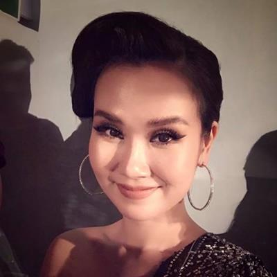 yan.vn - tin sao, ngôi sao - Fan Karik 'tấn công' Võ Hạ Trâm dữ dội vì thần tượng bị giới thiệu là nghệ sĩ hát Bolero