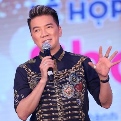 Sau tuyên bố không tổ chức sinh nhật 2 năm tới, Đàm Vĩnh Hưng bất ngờ đóng cửa facebook