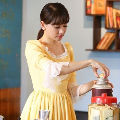 Hari Won hé lộ trailer MV mới, trở thành cô gái bán cafe xinh đẹp với phong cách retro