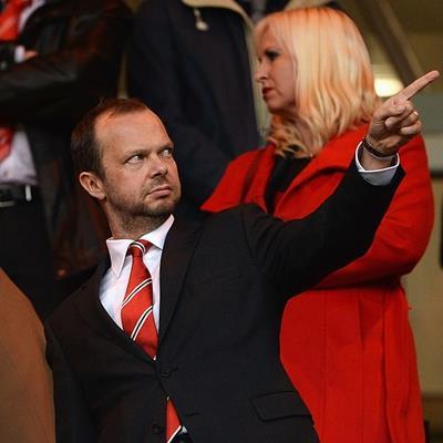 Vượt khó ngoạn mục trước Newcastle, Mourinho vẫn bị kẻ chực chờ