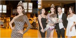 Tuy đăng quang nhưng tân Hoa hậu này chỉ được loe hoe vài người đến đón khi về nước