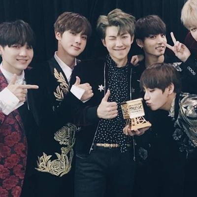 BTS tiếp tục trở thành nhóm nhạc Kpop đầu tiên đạt thành tích này từ Hiệp hội thu âm toàn cầu