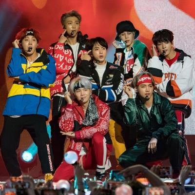 BLINK sắp trở thành fandom bị ghét nhất Kpop: Hết cạnh khoé BTS đến hạ bệ tài năng TWICE?
