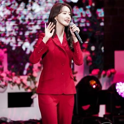 Chàng trai Việt Nam may mắn được Yoona chú ý khi tốn cả mớ tiền để tham dự fanmeeting