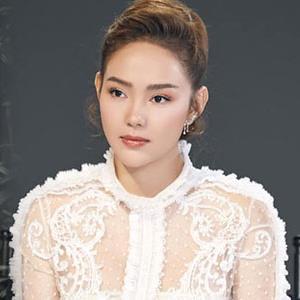 Fashion Police: Cùng diện sắc trắng nhưng Hồ Ngọc Hà và Minh Hằng lại cực kỳ chênh lệch đẳng cấp