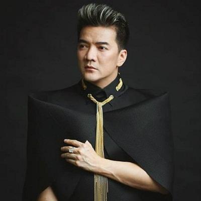 Sau khi vướng ồn ào với Phan Ngọc Luân, Đàm Vĩnh Hưng đảm đương trọng trách ở Làn sóng xanh