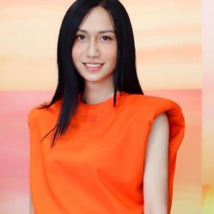 """Lynk Lee """"sao y bản chính"""" phong cách của Hương Giang sau chuyển giới"""