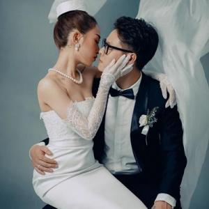 Ái nữ nhà đại gia Minh Nhựa diện 3 bộ váy cưới 700 triệu