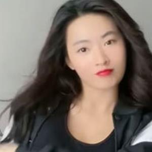 Rũ bỏ hình tượng dịu dàng, Minh Trang cá tính bắt trend TikTok cực xịn