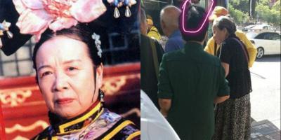 81 tuổi, Dung ma ma cô độc xếp hàng chờ xe buýt khiến netizen xót xa