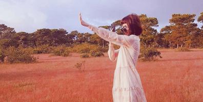 """Đâu chỉ ở Đà Lạt mới có cỏ hồng, Gia Lai giờ đây cũng có cả một cánh đồng tha hồ mà """"sống ảo"""""""