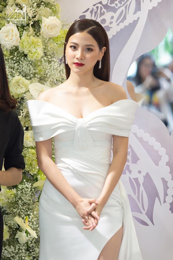 Baifern Pimchanok khoe nhan sắc tựa nữ thần, đẹp không góc chết trong lần thứ 2 đến Việt Nam
