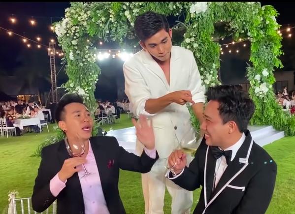 Muôn kiểu sao Việt say xỉn trong đám cưới 10 tỉ của Đông Nhi - Tin sao Viet - Tin tuc sao Viet - Scandal sao Viet - Tin tuc cua Sao - Tin cua Sao