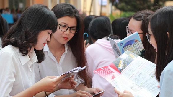 Bộ quyết không cắt giảm số lượng môn thi của kỳ thi THPT Quốc gia 2020 (Ảnh minh họa: Tuổi trẻ)