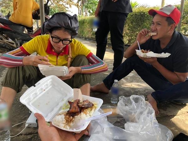 Trang Khàn chia sẻ có khi cô còn không được ăn cơm vì mải cứu giúp bà con.