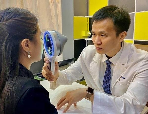 Bác sĩ Hiếu hướng dẫn cách để có làn da căng mướt đủ ẩm vào mùa Đông