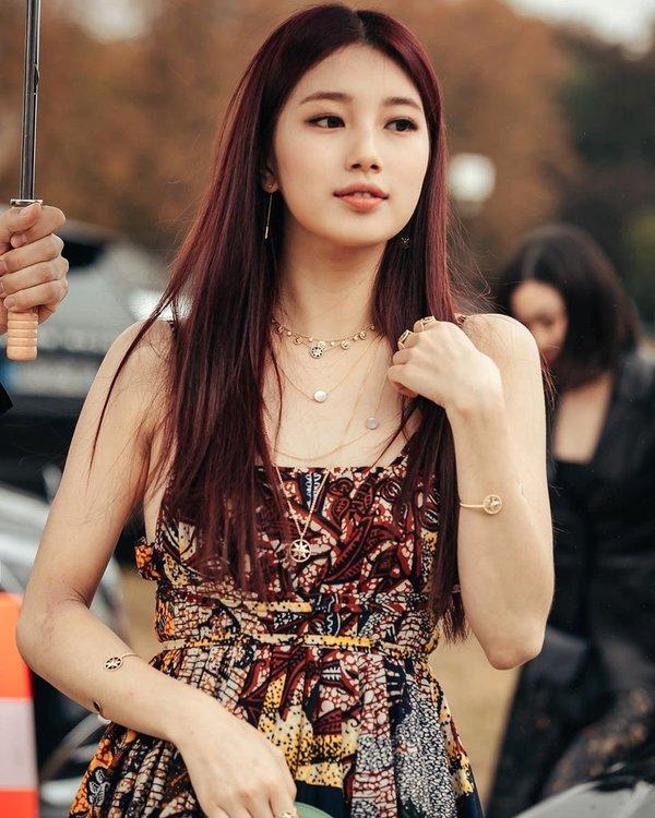 Cuộc sống ngập tràn đồ hiệu của Suzy khiến bao phụ nữ ao ước.(Ảnh: Naver)