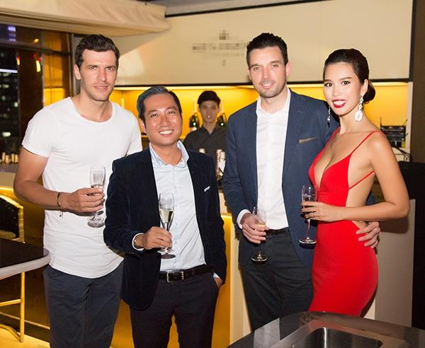 Siêu mẫu Hà Anh gợi cảm đón tiếp Hoa hậu Toàn cầu 2016 đến Việt Nam - Tin sao Viet - Tin tuc sao Viet - Scandal sao Viet - Tin tuc cua Sao - Tin cua Sao