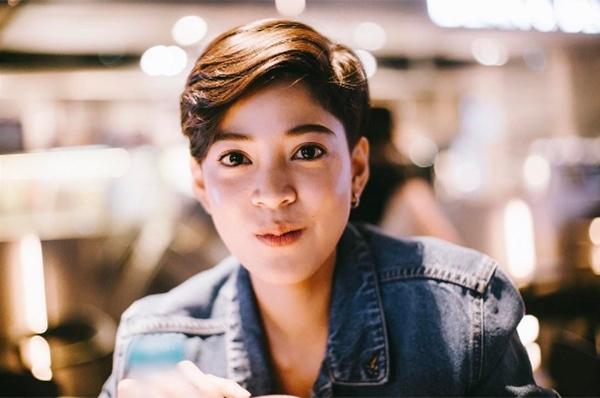 """Hình ảnh mới của Apinya khiến fan rất thích thú và """"gây bão"""" like trên Instagram."""