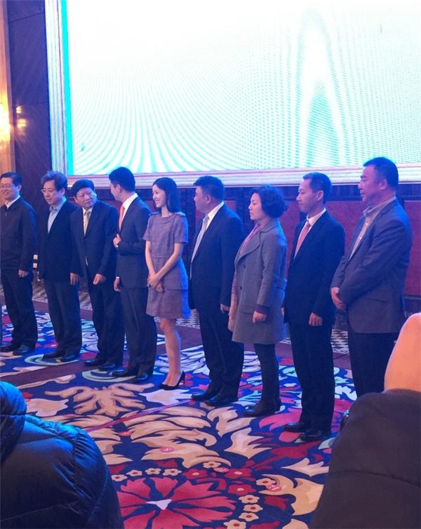 Hiện tạiChương Trạch Thiên và chồng mình đang đứng thứ 11 trong danh sách 500 người giàu nhất Trung Quốc.