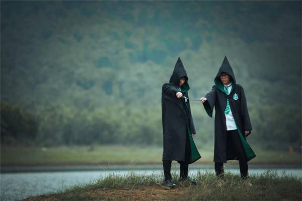 Đoán thử xem hai phù thủy này thuộc nhà nào trong 4 nhà của Harry Potter?