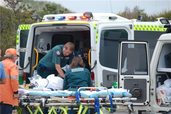 Nạn nhân được sơ cứu và ngay lập tức đưa tới bệnh viện Esperance.(Ảnh: Internet)