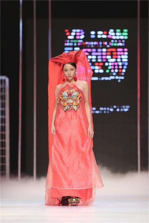 """Hành trình """"thay hình đổi dạng"""" khó nhận ra của Hoa hậu Kỳ Duyên"""