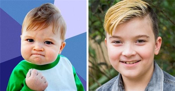 Nhóc tì thành công: Vào năm 2007, cậu bé 11 tháng tuổi Sammy Griner trở nên nổi tiếng sau khi được mẹ mình lên mạng đăng tải tấm ảnh cậu đang giơ nắm tay lên cùng với biểu cảm giống như thể đã thành công trong việc gì đó. Cũng nhờ sự nổi tiếng bất ngờ này của cậu bé mà gia đình cậu mới có đủ tiền để bố cậu cấy ghép thận, tất cả đều nhờ quyên góp của cư dân mạng.