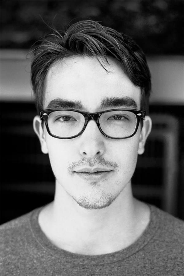 Chàng nhiếp ảnh gia điển trai mang trong mình hai dòng máu Nhật - Đức.