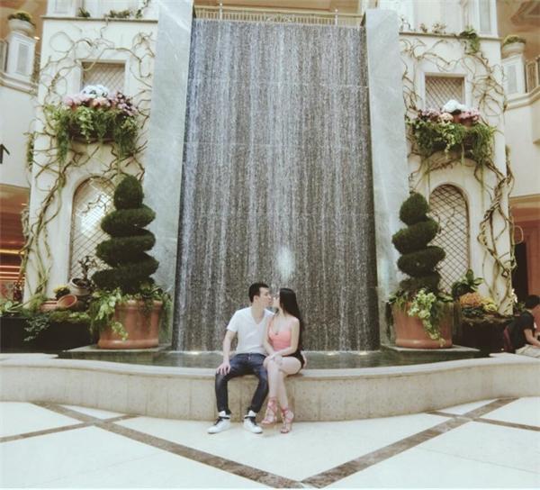 Huyền Baby hạnh phúc bên chồng đại gia lĩnh vực khách sạn.