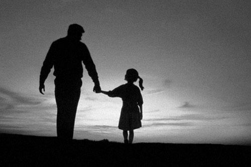 Những lá thư của bố sau khi qua đời làm con bật khóc không nguôi