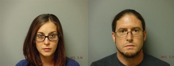"""Khoe clip làm """"chuyện ấy"""" nơi công cộng, cặp đôi đứng trước án phạt 6 năm tù"""