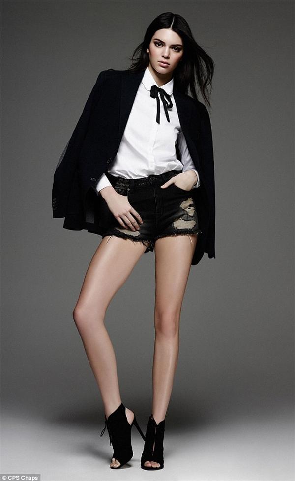 Thân hình cùng phong cách thời trang đáng ngưỡng mộ của Kendall Jenner.