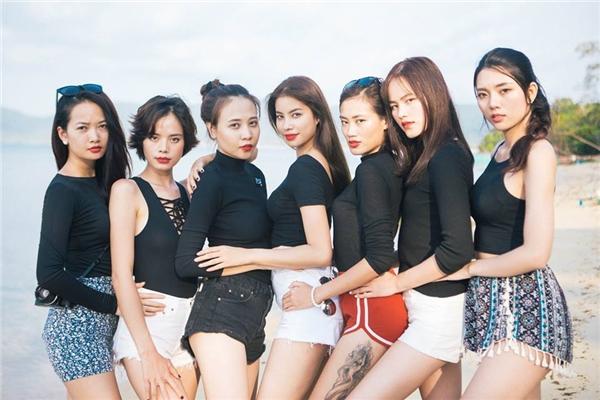 Không những thế, Đàm Thu Trang còn lọt vào top 20 Hoa hậu Việt Nam 2010, top 6 Vietnam's Next Top Model 2010. - Tin sao Viet - Tin tuc sao Viet - Scandal sao Viet - Tin tuc cua Sao - Tin cua Sao