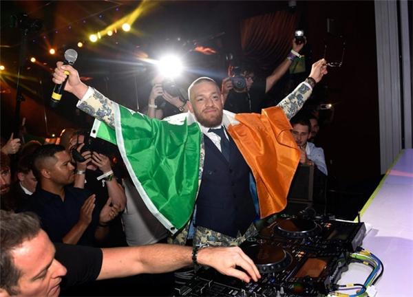 Dù thất bại trước Mayweather nhưng McGregor vô cùng ngạo nghễ.