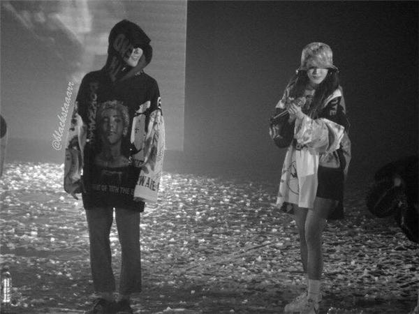 """""""Trụy tim"""" với những khoảnh khắc """"yêu hết cỡ"""" của G-Dragon và Dara tại Manila"""