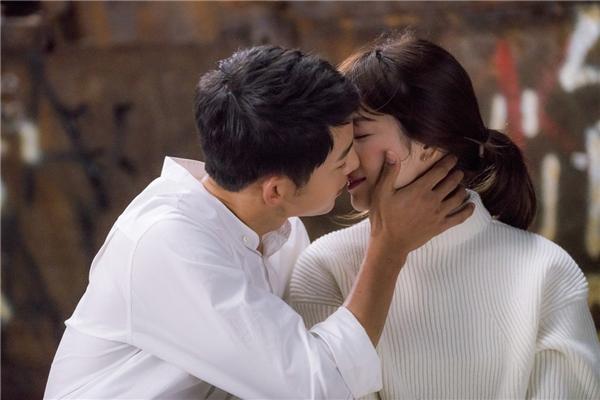 """""""Tôi cảm tưởng như họ yêu nhau đến chết"""" - Kim Eun Sook."""