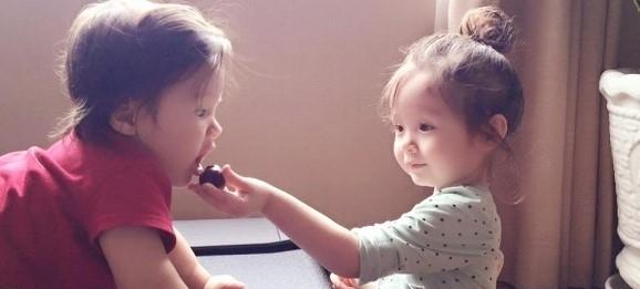 Cadie Mộc Trà đã ra dáng chị gái khi chăm sóc chu đáo cho em trai. - Tin sao Viet - Tin tuc sao Viet - Scandal sao Viet - Tin tuc cua Sao - Tin cua Sao